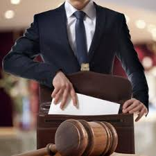 تفاوت وکیل پایه یک دادگستری با وکیل پایه دو دادگستری یا کارآموز وکالت